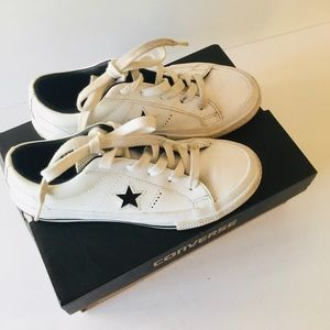 Converse - Black and White One Star Sneaker